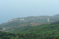Вид на мыс Кекенеиз с горы Ай-Петри