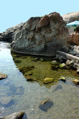 Берег моря в Алупке