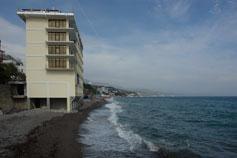 Алушта. Профессорский уголок. Отель на пляже