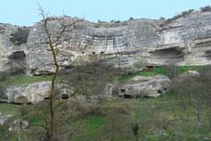 Пещерные кельи у Успенского скита