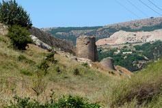 Крепостные стены и башни Балаклавы