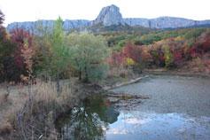 Вид на Биюк-Исар от Кикенеизского озера