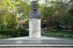 Евпатория. Памятник М. В. Фрунзе