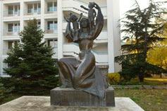 Евпатория. Памятник матери