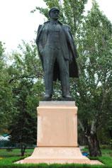 Феодосия. Памятник Ленину у дачи Стамбули