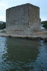 Феодосия. Доковая башня у кромки моря