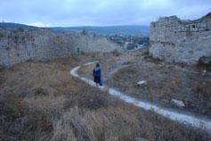 Феодосия. Останки крепостных стен Кафы на горе Митридата