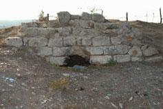 Феодосия. Руины крепости на самом верху Митридатова холма
