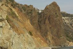 Скалистый морской берег у мыса Фиолент