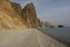 Дикий, пустынный пляж на мысе Фиолент