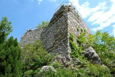 Башня на вершине скалы Крепостной в Гурзуфе