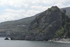 Вид на гору Крепостная с пляжа