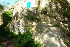Инкерманский Свято-Климентовский мужской монастырь. Вход в храм Димитрия Солунского