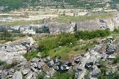 Инкерман. Вид на Монастырскую скалу и Инкерманский Свято-Климентовский мужской монастырь