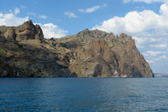 Кара-Даг вид на бухты Пограничную и Пуццолановою