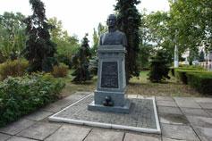 Керчь. Памятник Феодору Ушакову