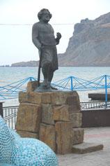 Коктебель. Набережная памятник Волошину