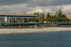 Коктебельский пляж в межсезонье
