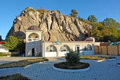 Фото церковной лавки в Ласпи