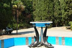 Мисхор фонтан дельфины в парке