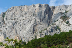 Скальный массив в Крыму