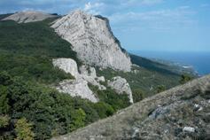 Мердвен-Кая. Вид на Балчик-Кая