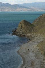 Орджоникидзе. Пустынный пляж за горой Васюкова
