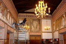 На фото восстановление мозаичных икон работы мастера из Венеции Сальвиати в храме Ореанды