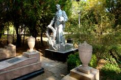 Саки. Памятник Советским воинам в Курортном парке