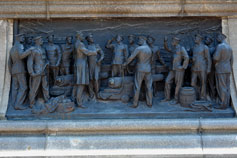Рельеф на памятнике Нахимову