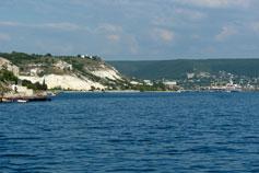 Севастопольская бухта, вид на Инкерман
