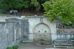 Фонтан в саду армянского монастыря Сурб-Хач в Старом Крыму