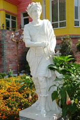 Ялтинский зоопарк Сказка. Греческая богиня Деметра (у римлян Церера)